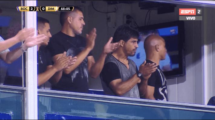 Video que lo dice todo: la reacción de Riquelme cuando salió Tevez