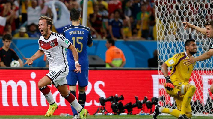 Foto de Martín Demichelis en el gol de Alemania.