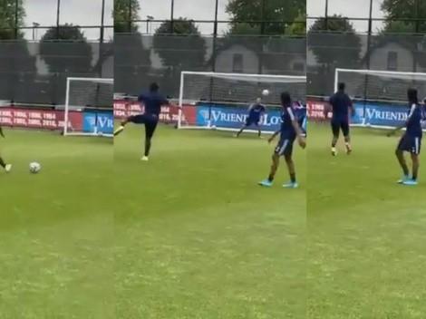 Travesaño y adentro: Renato Tapia anotó un golazo en práctica del Feyenoord