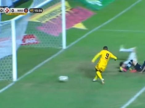 ¡Con el arco a su disposición! Increíble gol errado en el fútbol de Brasil