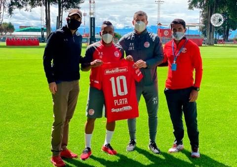 Bienvenida poco feliz: Joao Plata ya sufrió un incidente de ...