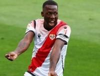 Triunfazo: Advíncula jugó, ganó y se ubicó en posición de ascenso con el Rayo Vallecano