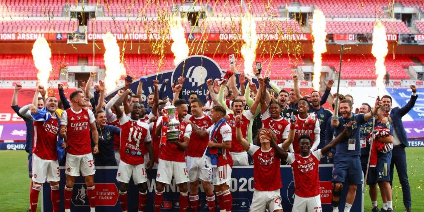 Twitter: Arsenal trolleó a la Premier League
