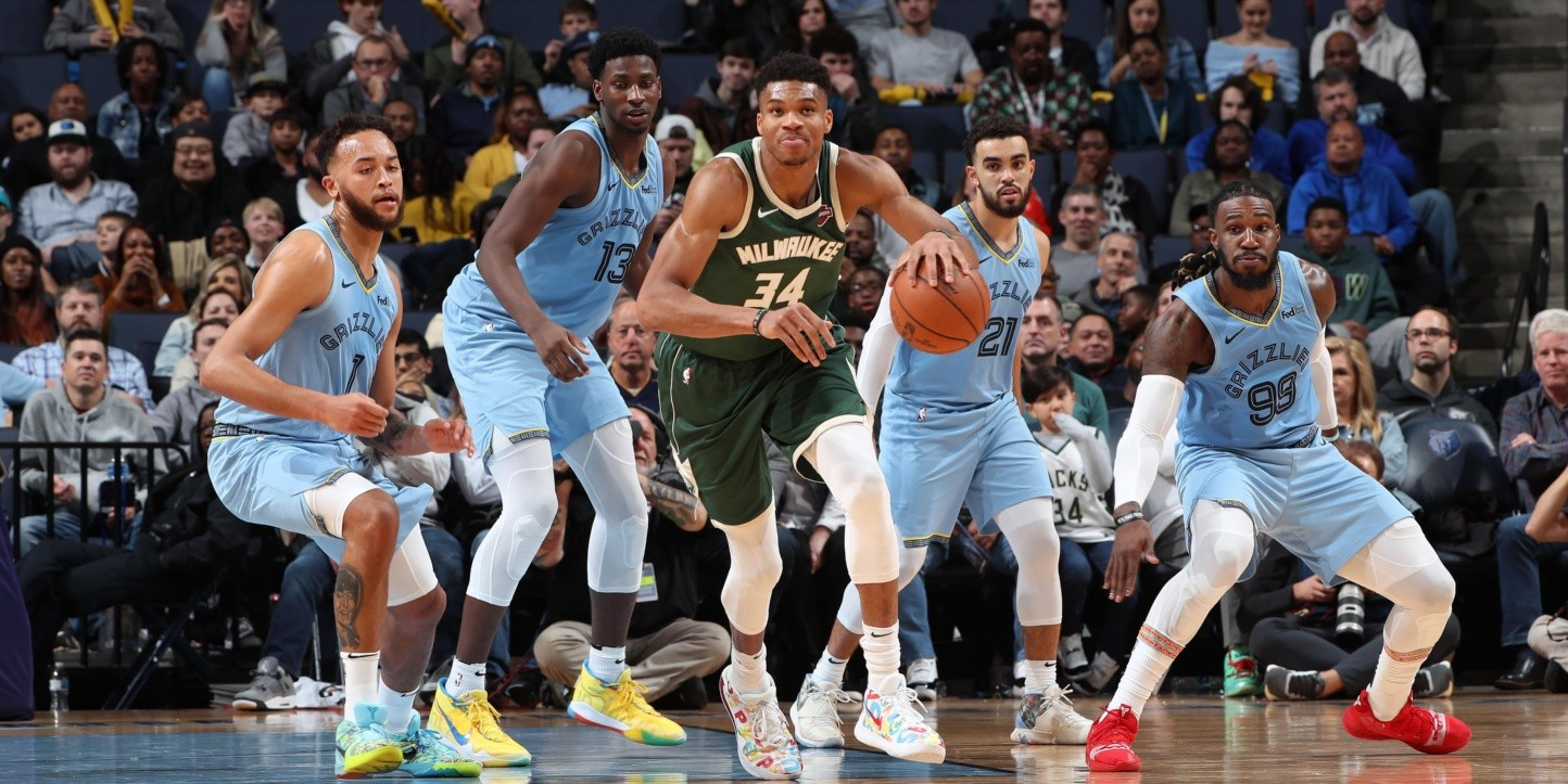 Milwaukee Bucks ante Memphis Grizzlies (Getty)