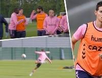 Show time: globitos, goles, barridas y sonrisas de James en práctica de Everton