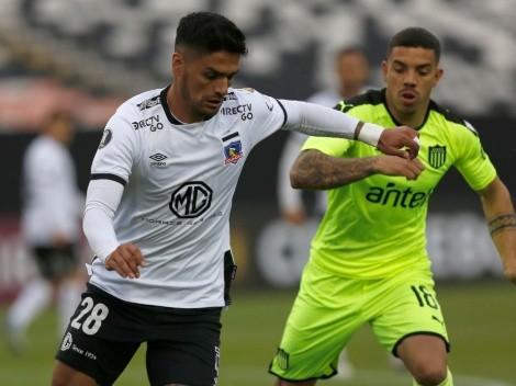 Penarol and Colo Colo clash today in a decisive match of the Copa Libertadores
