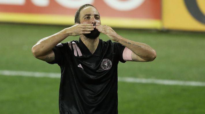 Gonzalo Higuaín de Inter Miami celebra después de anotar un gol (Getty).