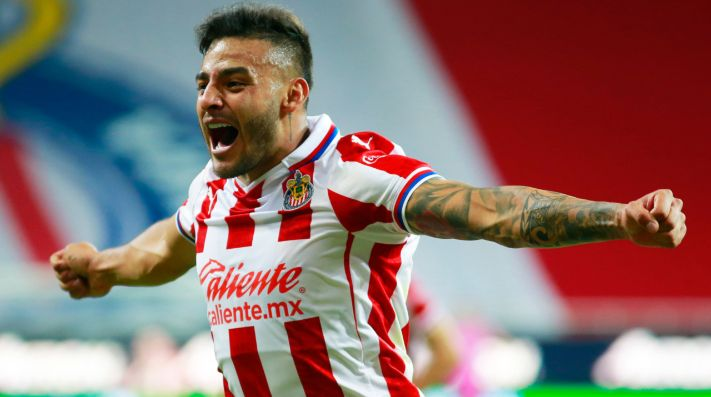 Chivas vs. Necaxa juegan por la repesca de la Liga MX este sábado (Getty Images)