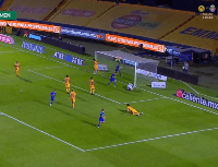 Cabecita Rodríguez le gritó el gol a Nahuel Guzmán