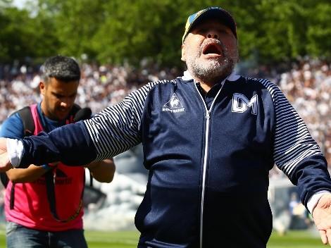 Vândalos picham imagem de Maradona em mural no CT do Santos