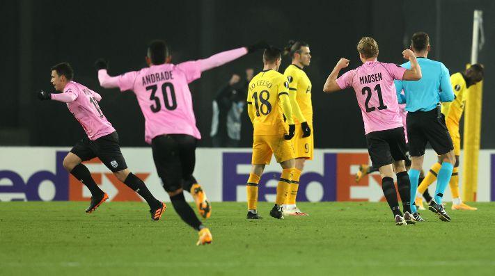 Desastre del Tottenham: Doherty perdió la pelota atacando y LASK lo castigó con el 1 a 0