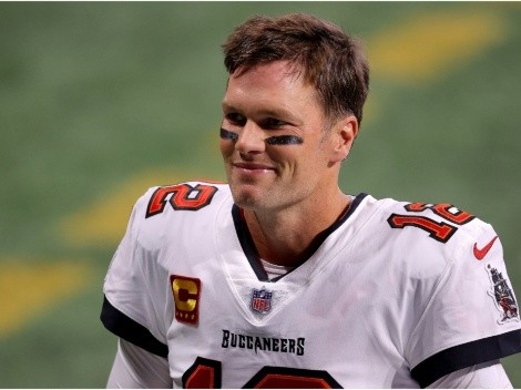 Refs seem to help Tom Brady and the Buccaneers beat the Falcons