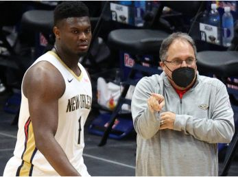 Zion Williamson y su entrenador Stan Van Gundy (Foto: Getty)