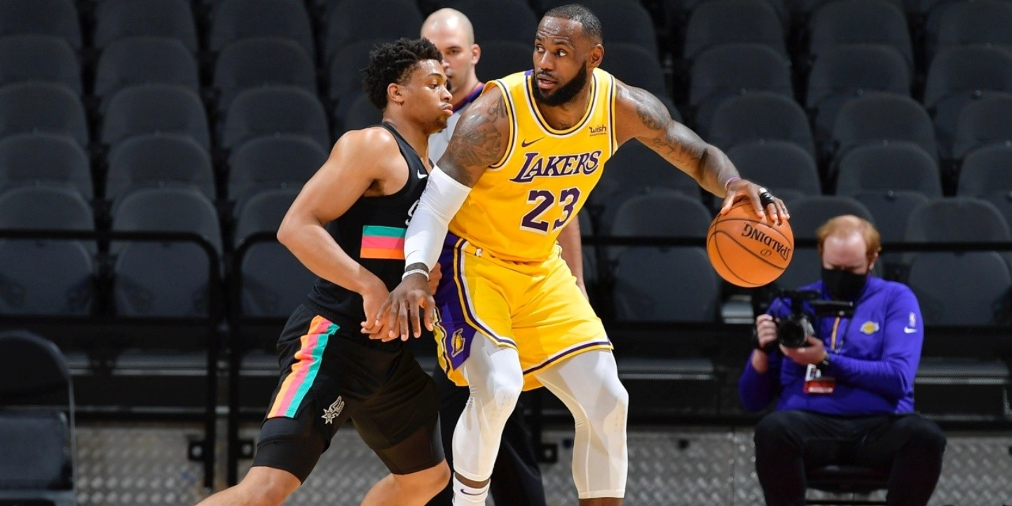LeBron James sigue haciendo historia en Los Angeles Lakers
