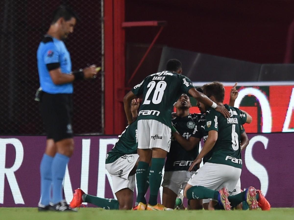 Desfalque de última hora! Atacante sofre lesão na coxa esquerda e vira desfalque contra o River Plate