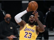 LeBron James misses a game-winner and Twitter goes crazy: Funniest memes and reactions