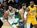 Kevin Durant, Jayson Tatum y LeBron James