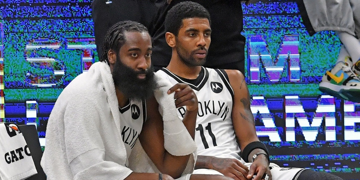 James Harden y Kyrie Irving