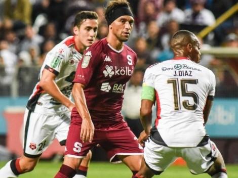 Alajuelense and Saprissa meet at the Estadio Alejandro Morera Soto