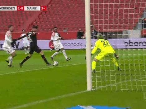 Alario durmió a toda la defensa rival y marcó para Bayer Leverkusen