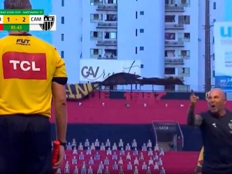 Video: Sampaoli se fue expulsado y salió de la cancha insultando a todos