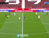 Messi asistió como si estuviese jugando con los hijos y Dembélé hizo el 1-0