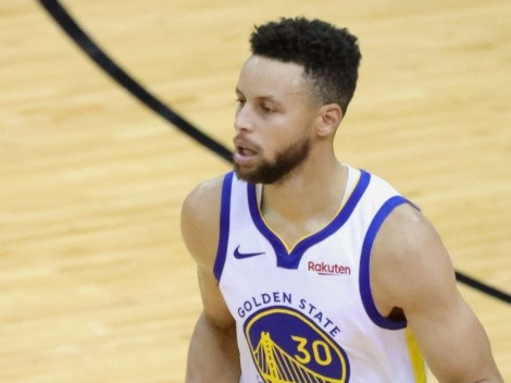When does Stephen Curry's contract with the Warriors expire?