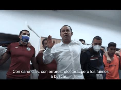 Te convence: revelan imágenes de una charla de Juan Reynoso en Cruz Azul