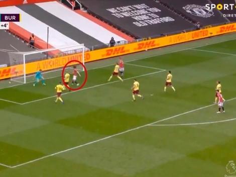Cavani entró en el entretiempo y cerró la victoria del United sobre el final