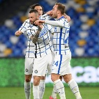 Inter de Milán y Napoli reparten puntos con Alexis Sánchez en cancha