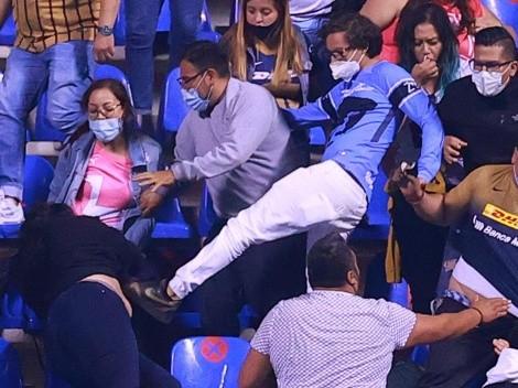 Identifican al aficionado de Pumas que golpeó a mujer en el estadio del Puebla