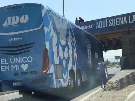 ¡Cuidado! Camión de Pachuca, atascado en San Luis