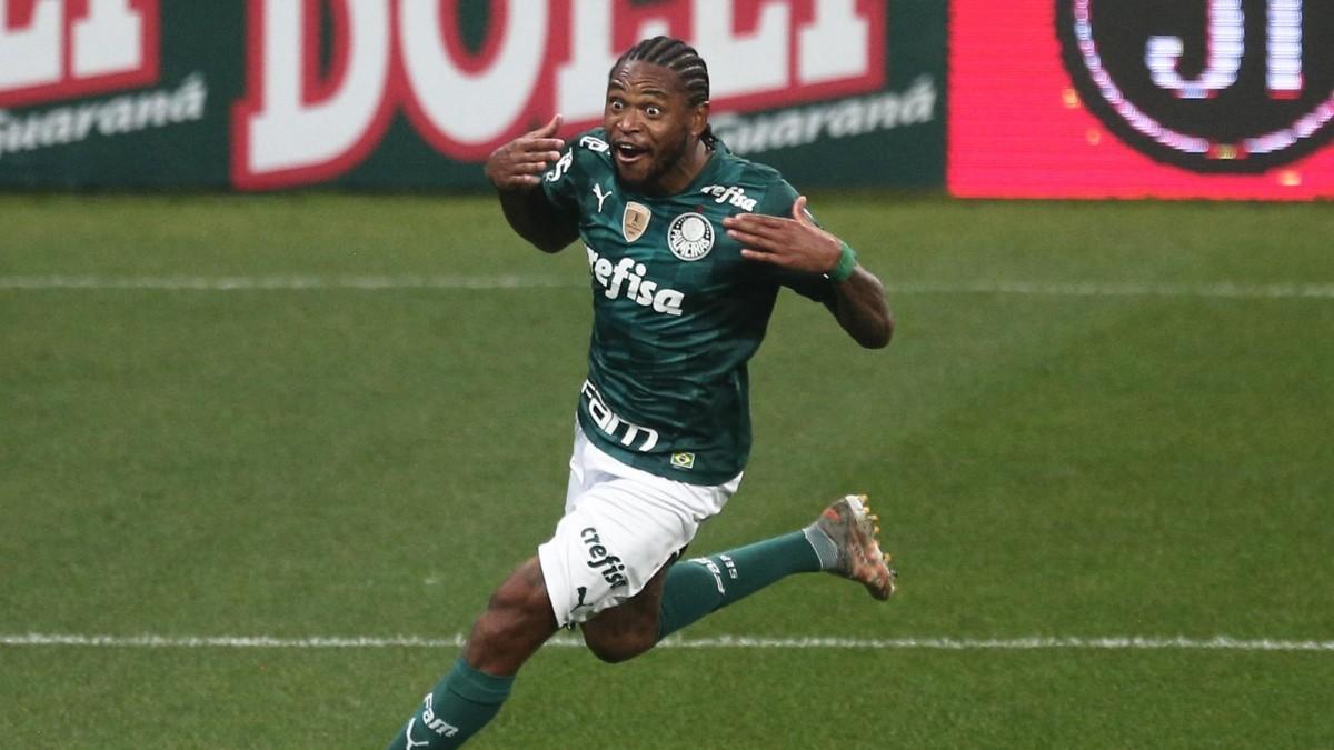 Luiz Adriano completa 2 anos de Palmeiras e se declara ao clube em rede social