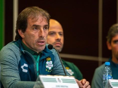 Guillermo Almada condicionó a Cruz Azul por su maldición