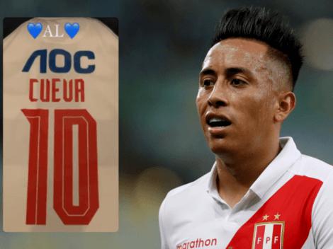 Christian Cueva recibió camiseta de Alianza Lima previo duelo contra Colombia