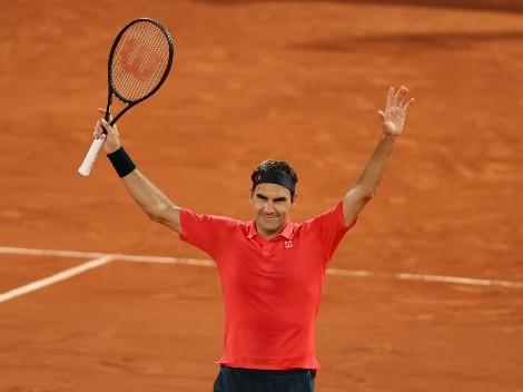 Federer vence a Koepfer en medianoche de Roland Garros y rompe récord
