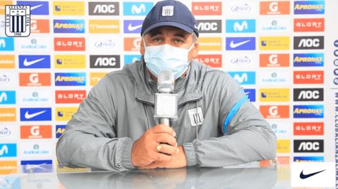 Carlos Bustos es el entrenador de Alianza Lima desde el inicio de año.
