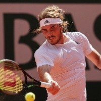 ¡A la final de Roland Garros! Tsitsipas se queda con la batalla frente a Zverev