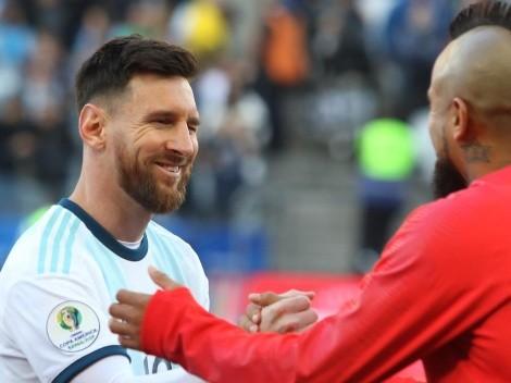 Arturo Vidal protagonizó cariñoso intercambio de camisetas con Lionel Messi