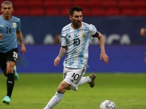 Argentina vence a Uruguay y comparte el liderato con Chile