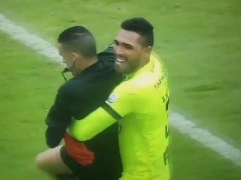 Video: el abrazo de Montero al árbitro luego de que Tolima se consagrara campeón