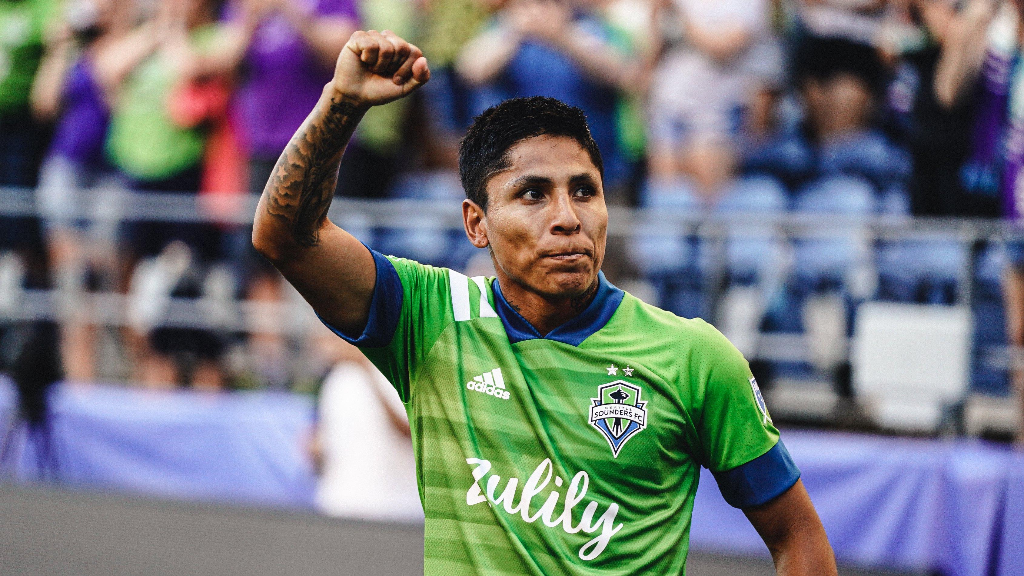 Raúl Ruidíaz anotó soberbio tanto y pelea con el 'Chicharito' Hernández por ser el goleador de la MLS