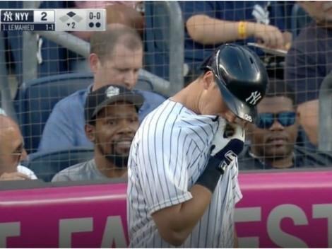 Pitcher vomitó en el Angels vs Yankees con Kevin Durant en primera fila