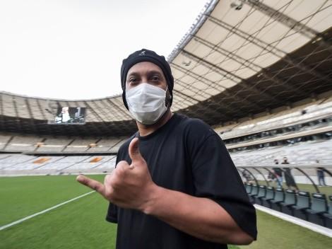 Sonríe el fútbol: Ronaldinho volverá a jugar