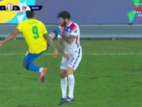 Gabriel Jesús le pegó un planchazo en el pecho a Mena y dejó a Brasil con 10