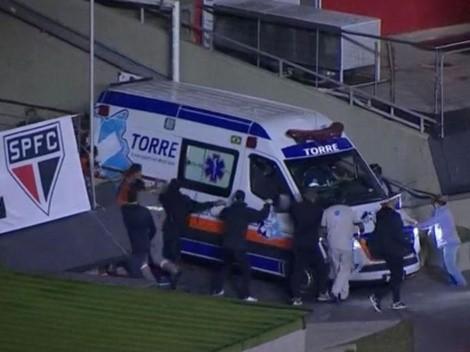Ambulancia entró empujada al Morumbí para atender al masajista del Sao Paulo que se desmayó