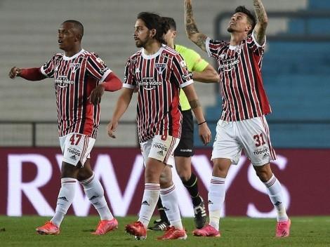Sao Paulo aprovechó los errores defensivos de Racing y lo eliminó de Libertadores