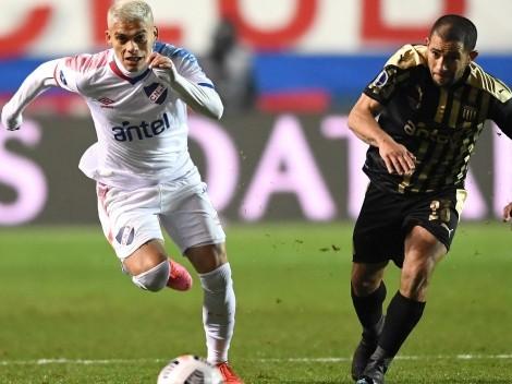 Peñarol clasificó tras perder 1-0 contra Nacional en la vuelta de los octavos de final de la Copa Sudamericana