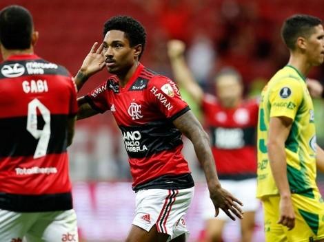 El aliento del público fue determinante para la goleada de Flamengo sobre Defensa y Justicia