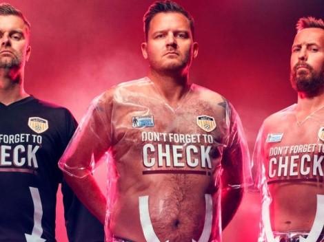 El curioso uniforme transparente de un equipo inglés: todo es por una buena causa